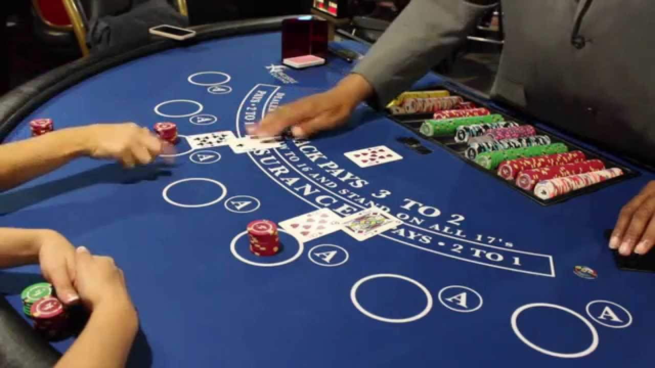 Two ways to play Blackjack: connected online and off the web